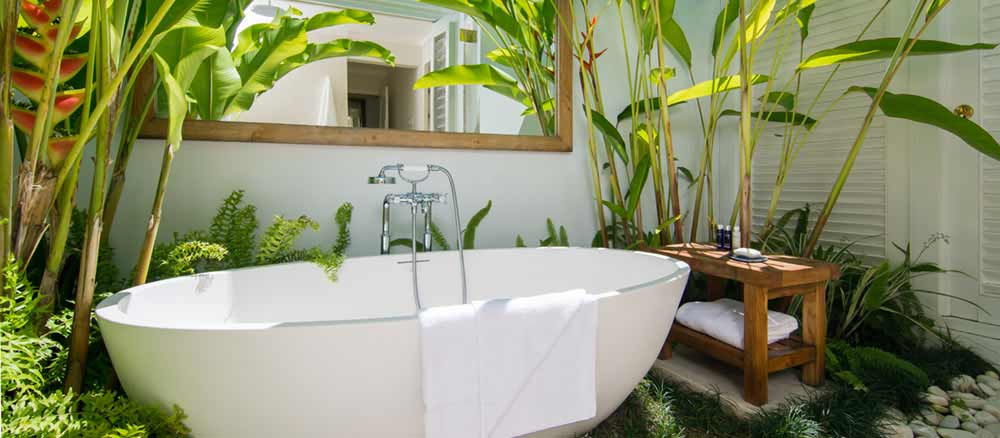 Luxury Freestanding Stone Bathtubs And Soaker Tubs Tyrrell  Laing - Free standing jetted soaking tub
