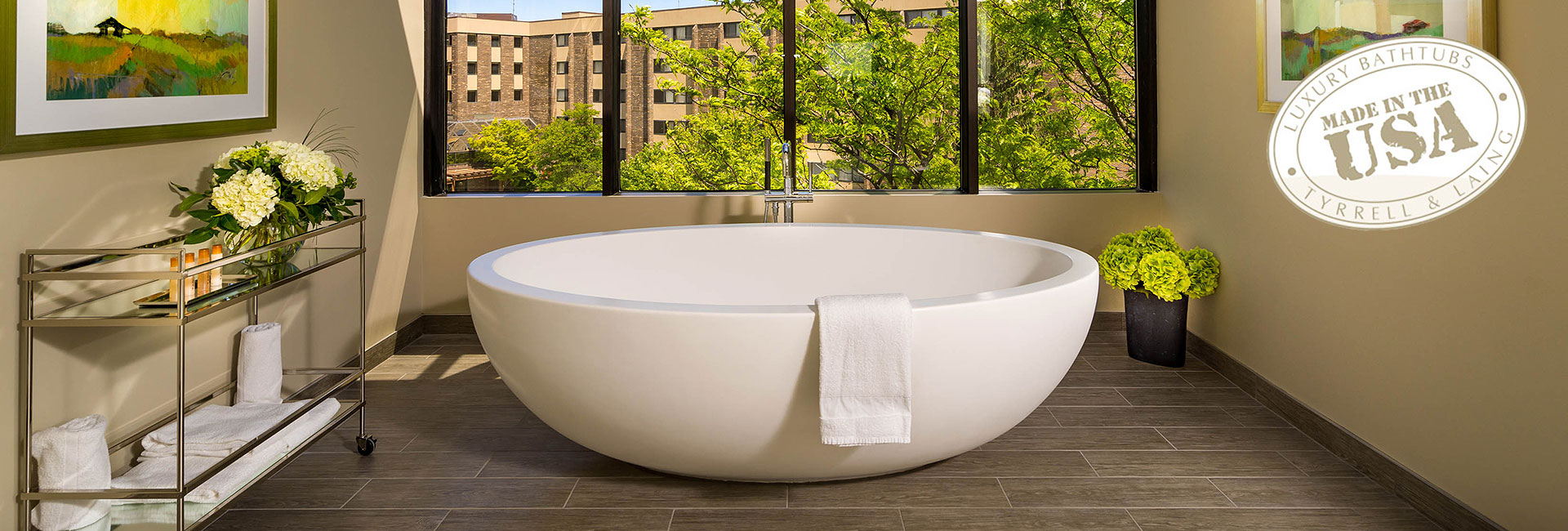 Large freestanding luxury bathtub | Tyrrell & Laing