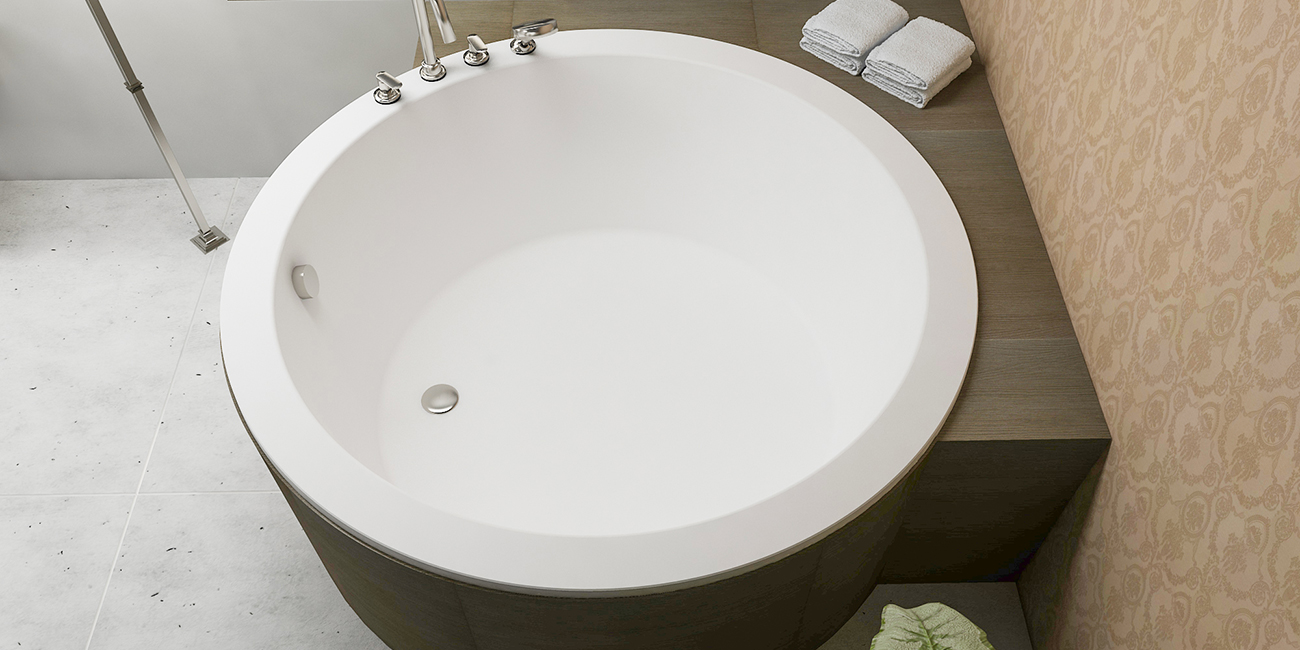Solana round freestanding bathtub